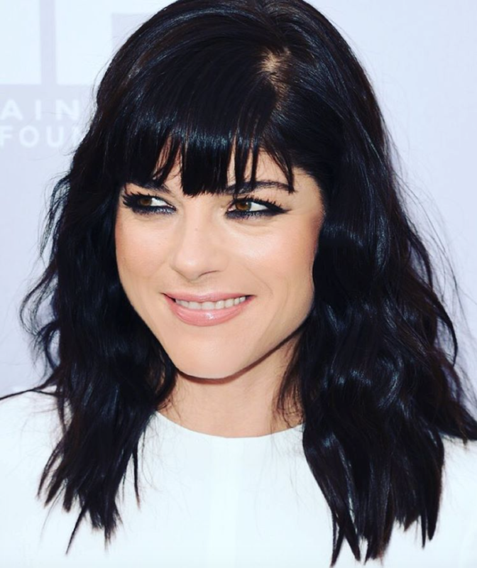 Photo of Selma Blair with Waves in her Hair