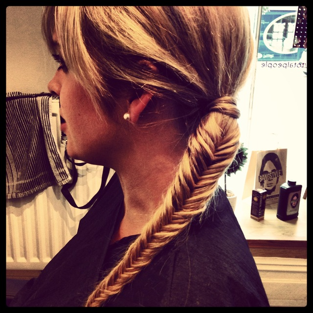 Loving this simple fishtail plait! Why not try this next time you bobble your hair??