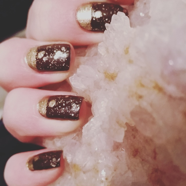 Deep purple and gold glitter nails!