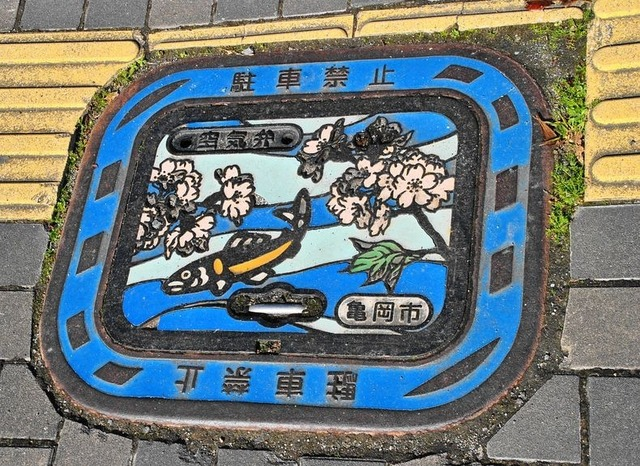 japan-manhole-covers