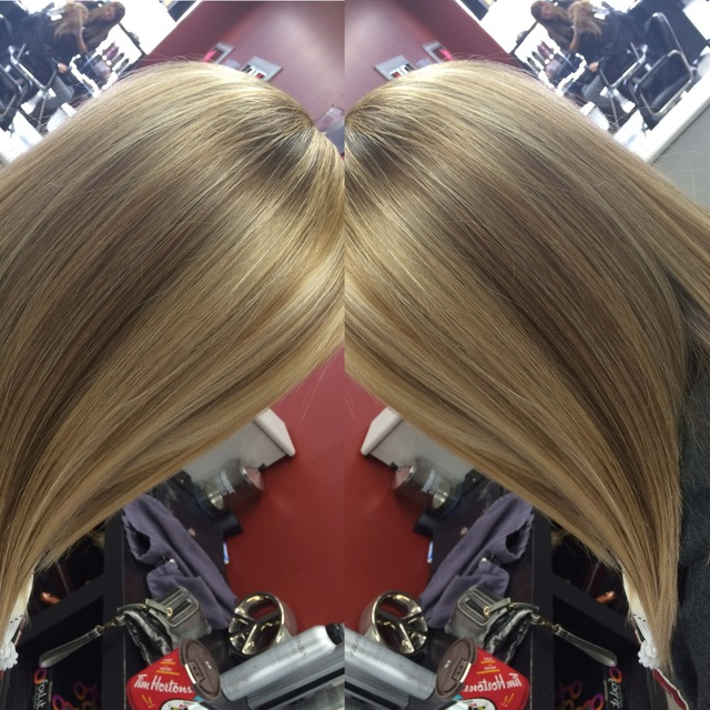 Natural highlights with an angeled Bob