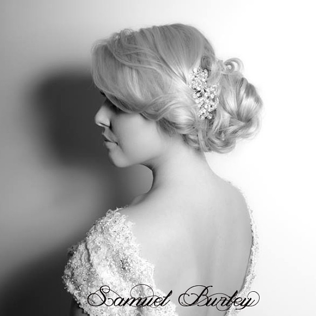 Bridal pin up