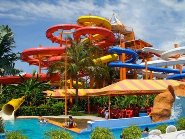 sea-life-park-waterslides-puerto-vallarta-1_1_