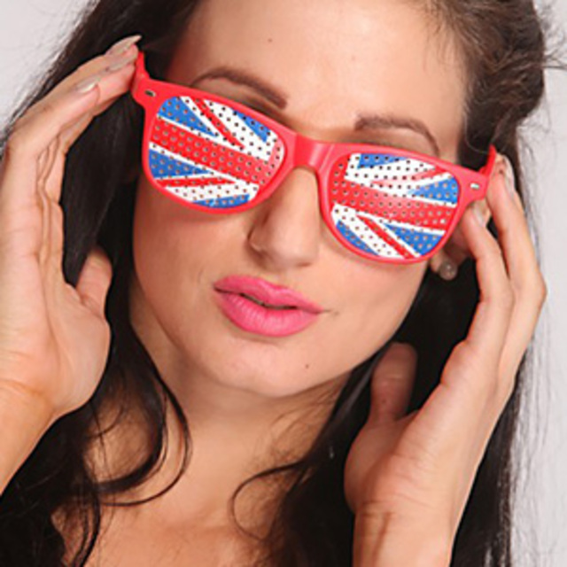 AMI-Clubwear-Red-Perforated-Lens-Union-Jack-Sunglasses