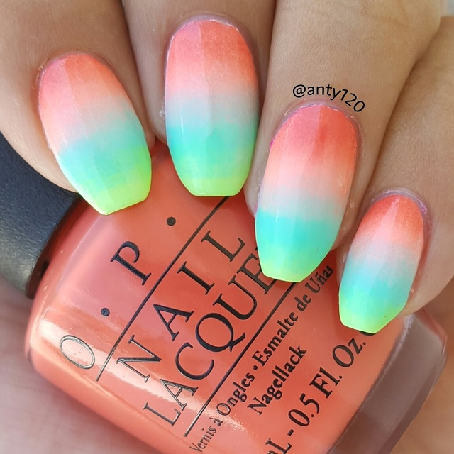 Summer Gradient nails