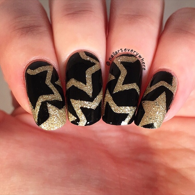 Golden star nails