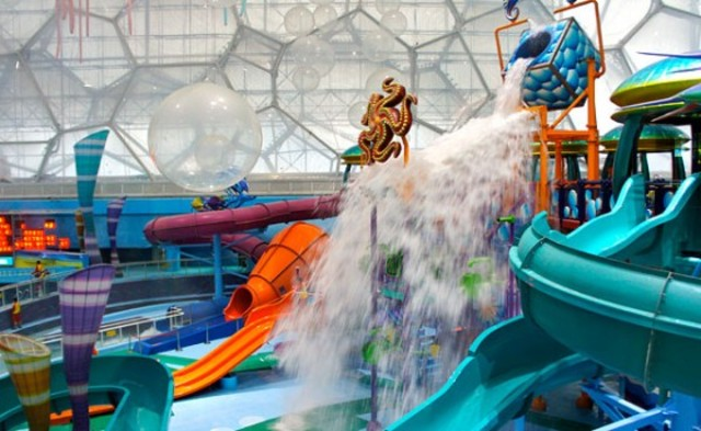 watercube-waterpark-slides-560x344