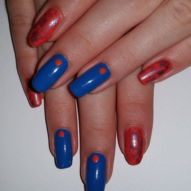 Cute blue and orange dot naIL art