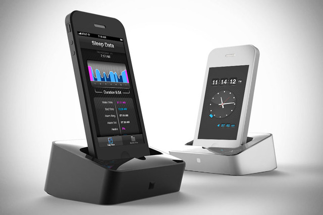 Lumawake-iPhone-Smart-Dock-1