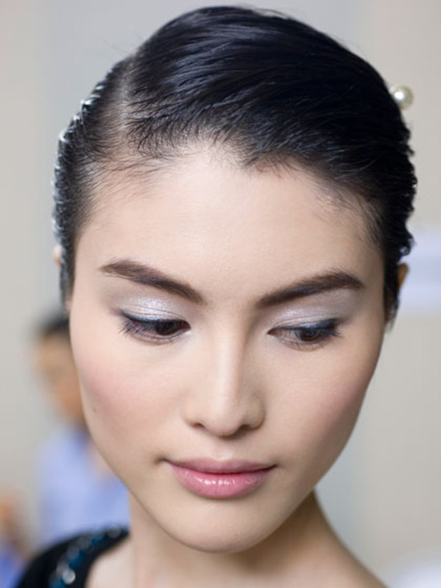 5-minute-makeup-chanel
