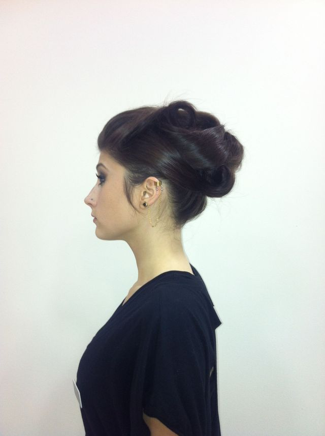 50's inspired up do