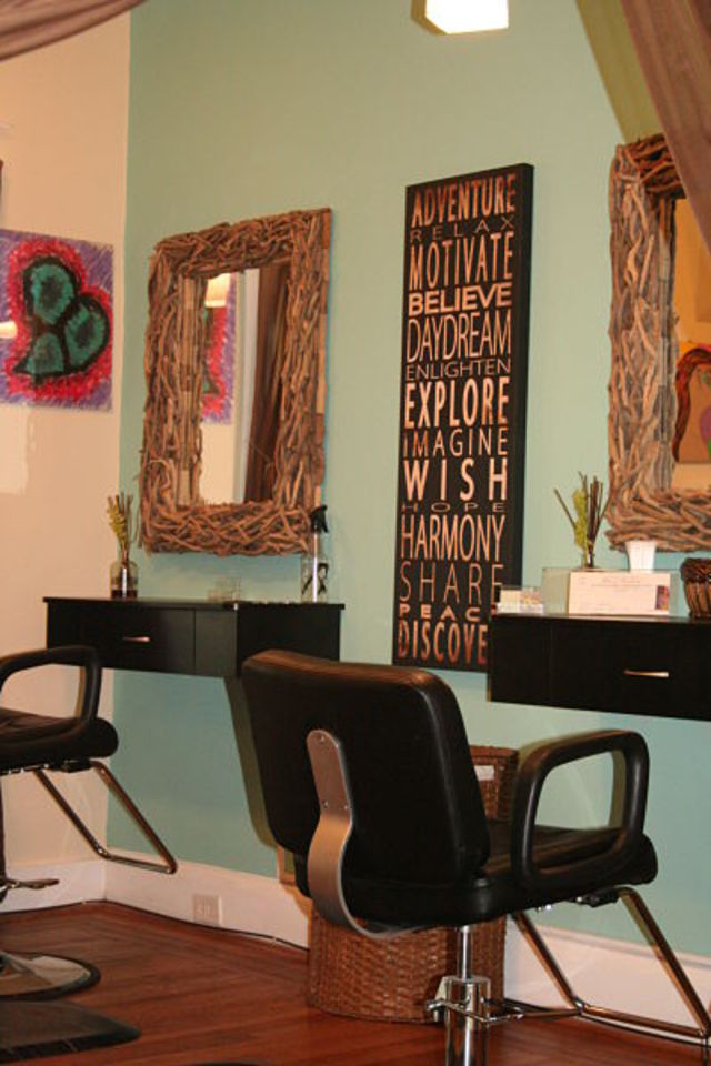 The salon at a glance....