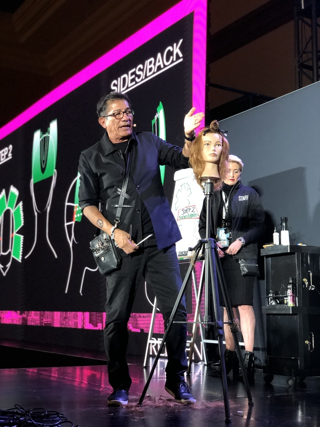 Re sized 5c04bac2b1ae9775be61 redken symposium2019 136