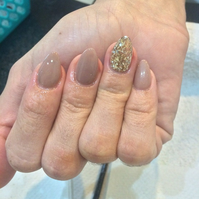 Nude and gold almond shape