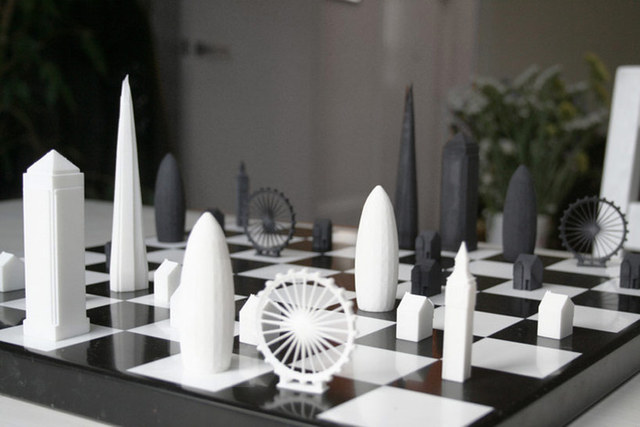 skyline-chess-brings-london-to-chessboard-designboom00
