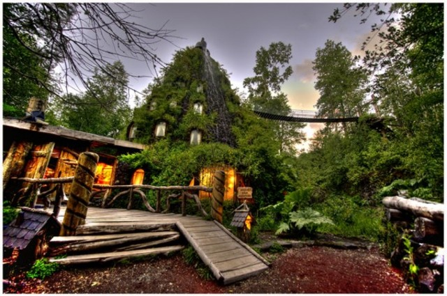 Magic-Mountain-Lodge-Hotel-in-Huilo-Huilo-Chile