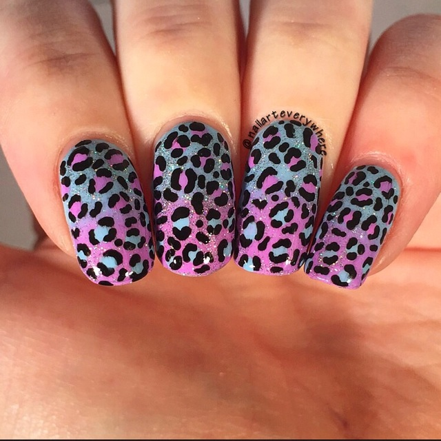 GradiEnt leopard nails