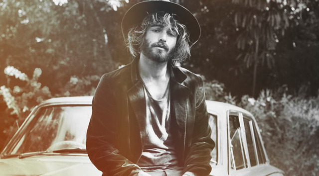 angus-stone_normal
