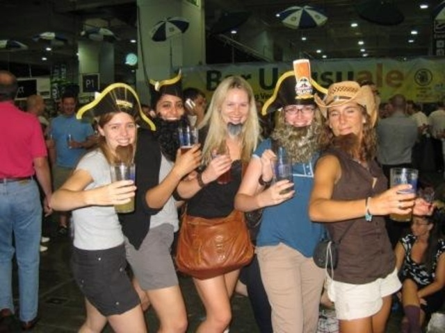 great_british_beer_festival_earls_court_girls