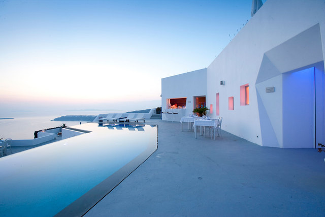 Amazing-View-Grace-Santorini-Hotel-by-Divercity-and-mplusm