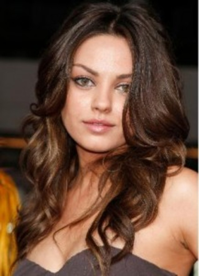Best-Hairstyles-for-Round-Face-Shapes-217x300
