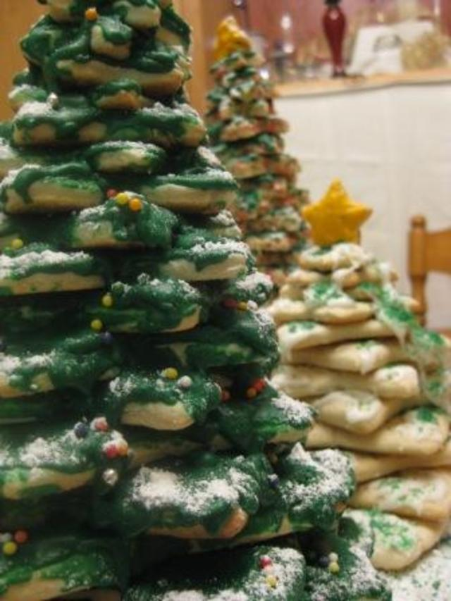 Cookie_Christmas_Trees_8_2008_compressed