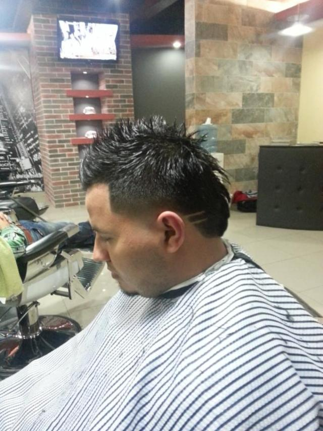 Cortes en Cuts Barber Shop