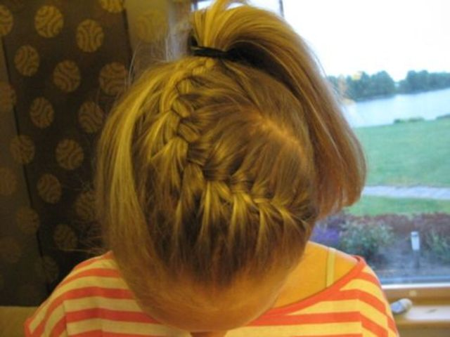 French braid in pnytail