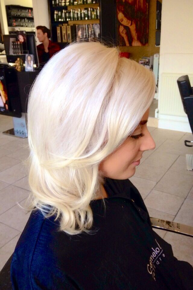 Glossy Platinum Blonde using Keune Ultimate Blonde