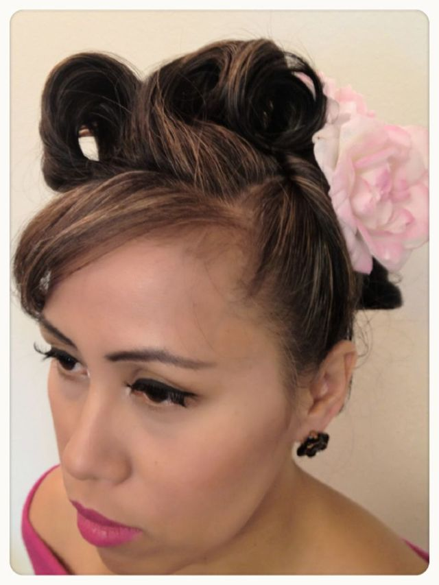 Pin-Up Style Up-Do