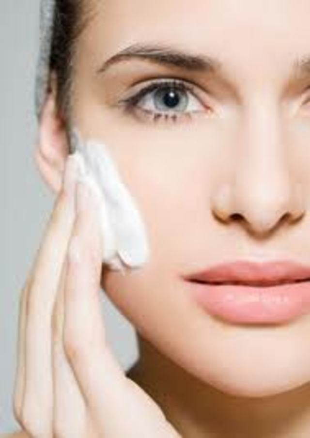 Retinoids-and-Retinoid-Products-for-Skin-Care