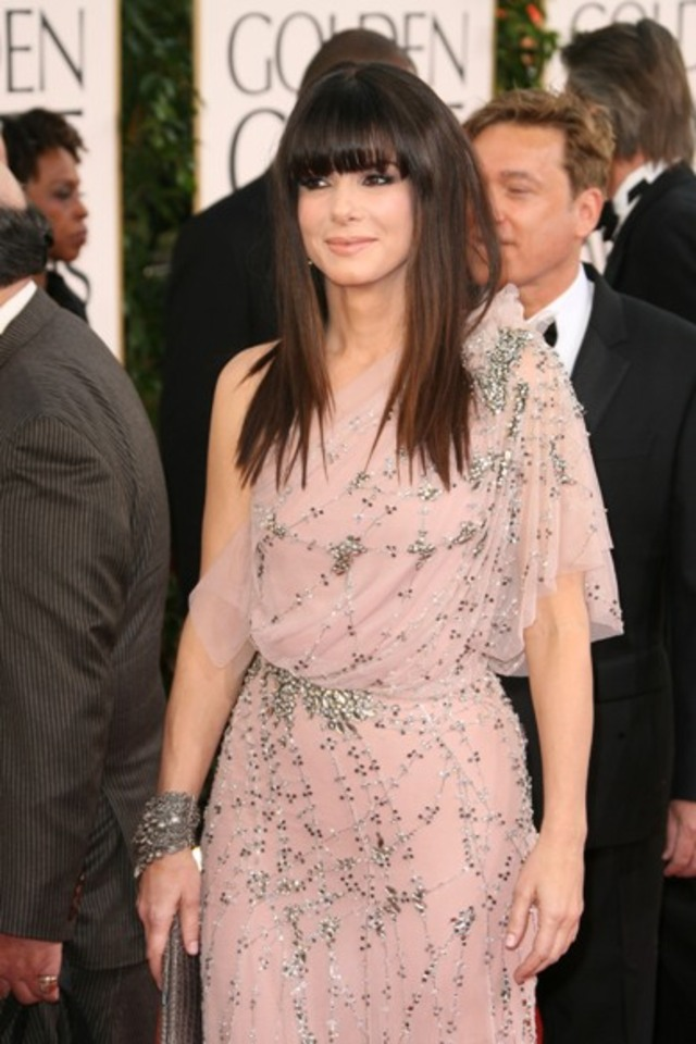 Sandra-Bullock-2011-Golden-Globes-PHOTOS