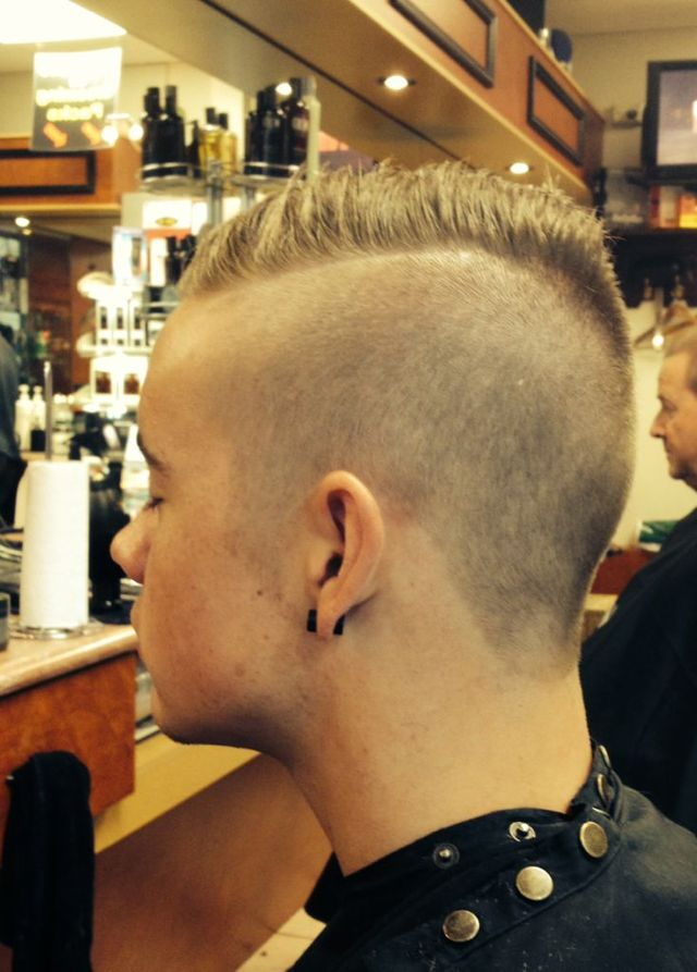 Swiped to one side Mohawk