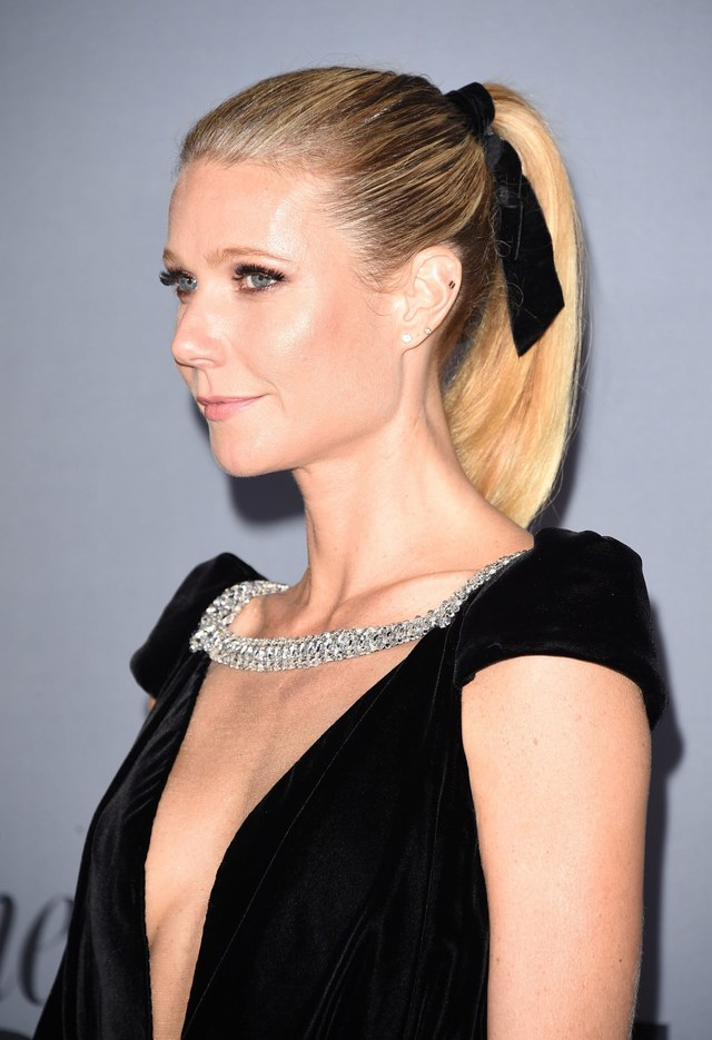 Re sized a2f7954395620acc8449 0cea8d10048b0841fcae beauty 2015 11 gwyneth paltrow hair bow hair trend main 1