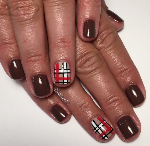 Fall plaid gel manicure