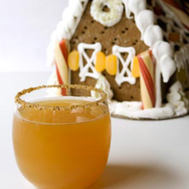Gingerbread Apple Cocktail