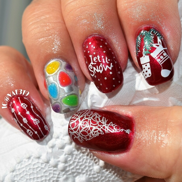 Christmas with a 3d accent nail