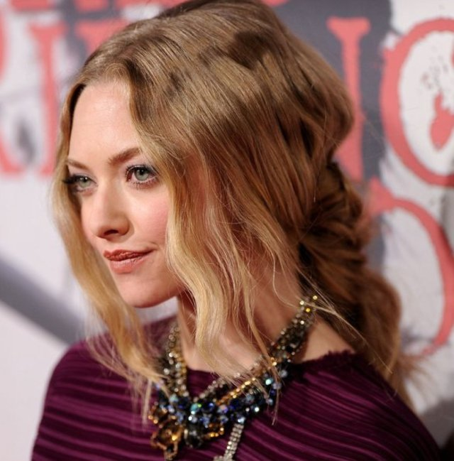 amanda-seyfried-red-carpet-hairstyle