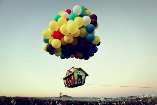 Up Balloonhouse