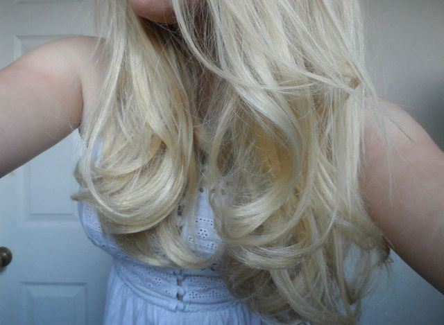 bouncy blow dry