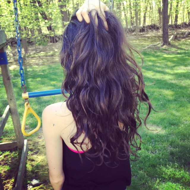 brown wavy hair