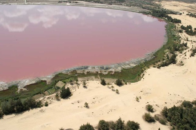 lake-retba-9%255B1%255D