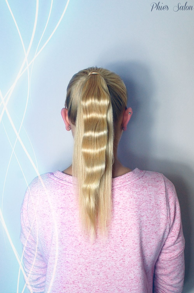 One wave ponytail