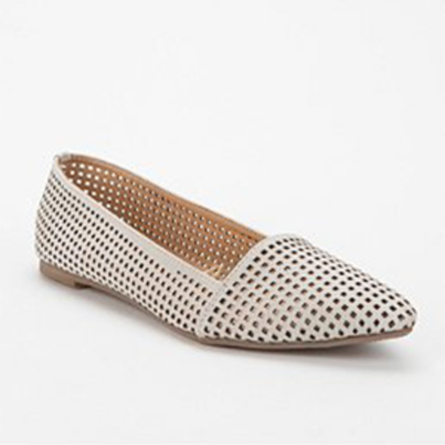 Deena & Ozzy Lattice Pointy-Toe Skimmer