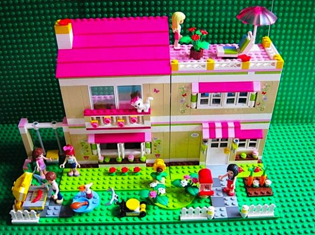 Girly legos