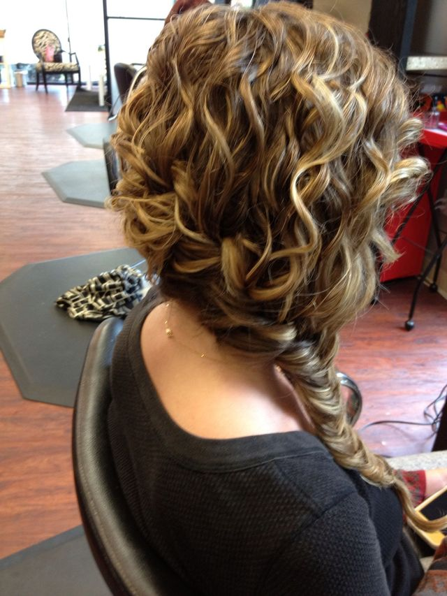 curly fish tail