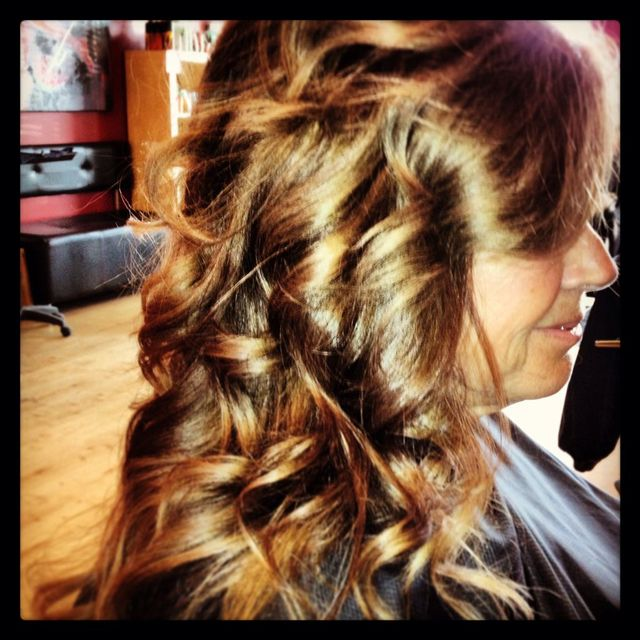 curly style/med brown/
