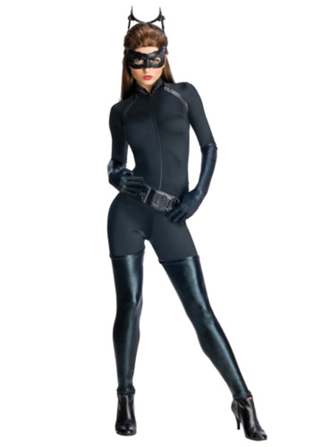 catwoman- deluxe-dark-knight-catwoman-costume