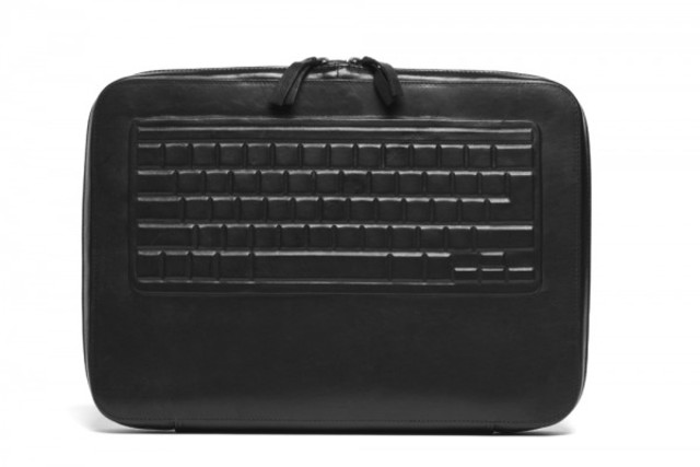 natalia-brilli-brief-case