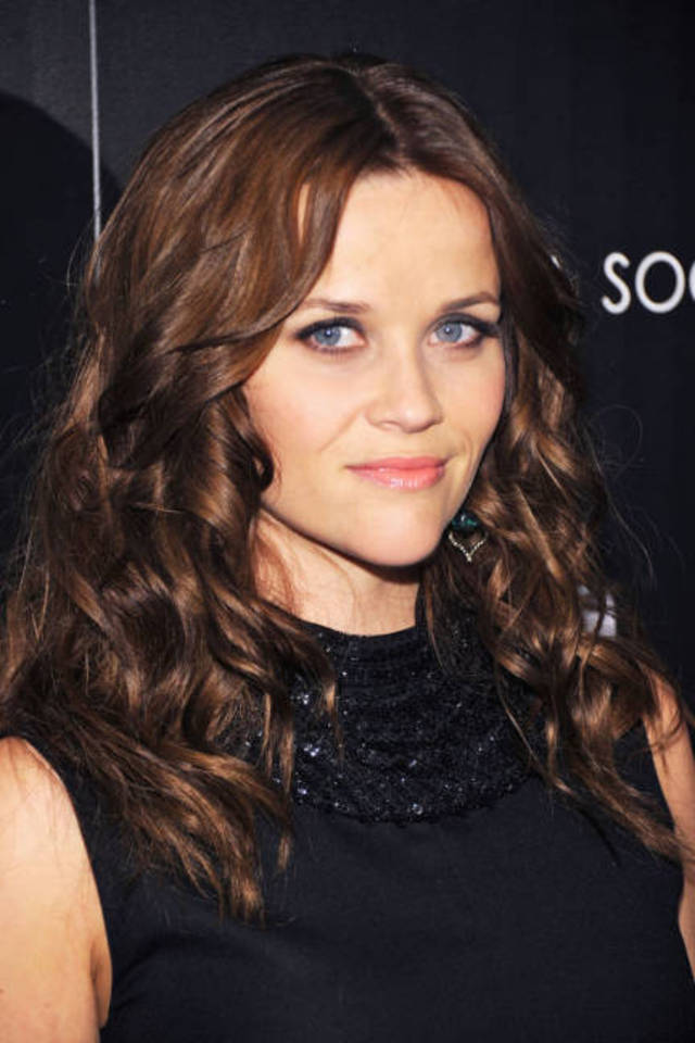 elle-beauty-brunettes-reese-witherspoon-xln-lgn